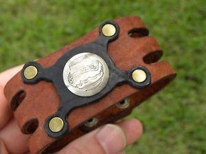 【送料無料】ブレスレット アクセサリ― カフブレスレットバッファローバイソンレザービンテージスターリングシルバーボタンvintage sterling silver button placed on cuff bracelet buffalo bison leather
