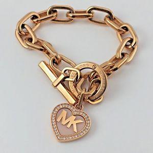 【送料無料】ブレスレット アクセサリ― ミハエルローズゴールドトーントグルブレスレットクリスタルロゴハートチャームmichael kors rose gold tone toggle bracelet pave crystals logo heart charm