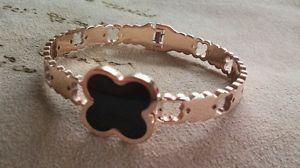 【送料無料】ブレスレット アクセサリ― クローバーオニキスゴールドブレスレットローズclover flower rose gold filled bracelet with mother of onyx stone