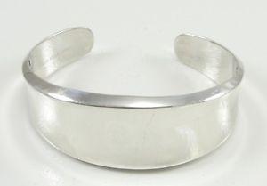 【最安値挑戦】 【送料無料】ブレスレット time bracelet アクセサリ― スターリングシルバーワイドカフブレスレットルビーsterling silver wide concave cuff bracelet trademark ruby trademark elle time amp; jewelry, ブレイクスタイル:2c4ae68a --- rishitms.com