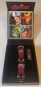 【送料無料】ブレスレット アクセサリ― ステンレススチールキャプテンアメリカカラーロゴリンクブレスレットmarvel stainless steel captain america color logo link bracelet men jewelry 85