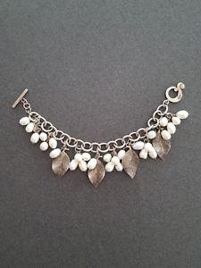 【送料無料】ブレスレット アクセサリ― スターリングリーフブレスレットシルバーsilpada 925 freshwater pearls and sterling leaves dangle b1631 bracelet silver