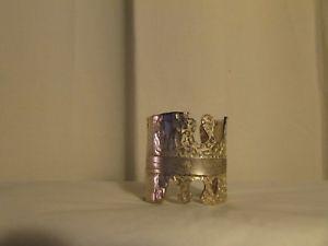 【送料無料】ブレスレット アクセサリ― ヴィンテージカフスbiche berevintage cuff braceletbiche bere silvery metal