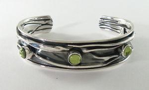 【送料無料】ブレスレット アクセサリ― ペリドット58950カフス950 silver crushed cuff bracelet with peridot 58 wide