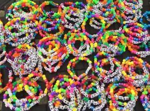 【送料無料】ブレスレット アクセサリ― 100 カンジブレスレッツ100カンジシングルスカンジロットブレスレット100 kandi bracelets, 100 kandi singles kandi lot, stretch bracelet