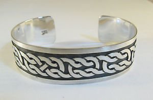 【送料無料】ブレスレット アクセサリ― マット925スターリングカフスケルト34925 sterling silver cuff bracelet celtic knot design with matte finish 34 wide