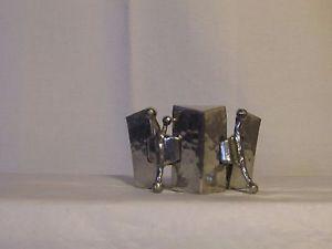 【送料無料】ブレスレット アクセサリ― ハンマーヴィンテージvintage modernist bracelet metal silver orhammered