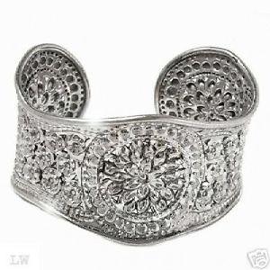 【送料無料】ブレスレット アクセサリ― ソリッドブレスレットbeautiful bracelet well made in solid 925 ss