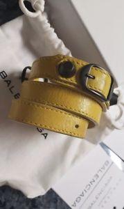 【送料無料】ブレスレット アクセサリ― クラシックトリプルツアーブレスレットbalenciaga classic triple tour leather bracelet yellow