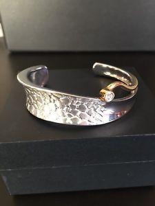 【送料無料】ブレスレット アクセサリ― カフスsolid silver and gold plated wrist cuff