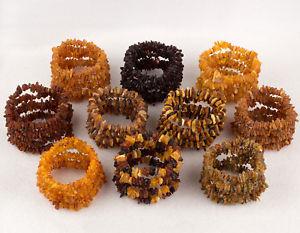 【送料無料】ブレスレット アクセサリ― バルトチップビーズブレスレットロットraw unpolished baltic amber adult chips beads bracelets lot 50 various colors