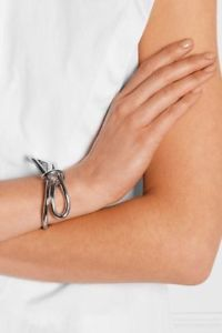 【送料無料】ブレスレット アクセサリ― メタリックボウカフノットブレスレットauthentic balenciaga silvertoned metallic asymmetric bow cuff knot bracelet m