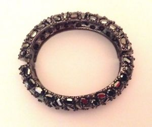 【送料無料】ブレスレット アクセサリ― コレクタアイテムケネスジェイレーンワイドヘマタイトブレスレット collectors item kenneth jay lane wide hematite bracelet