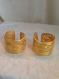 【送料無料】ブレスレット アクセサリ― ケネスジェイレーンset of 2 gold tone slave cuffsブレスレッツ kenneth jay lane set of 2 gold tone slave cuffs hinged bracelets