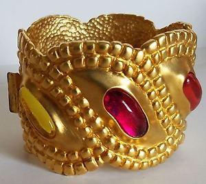 【送料無料】ブレスレット アクセサリ― フランスデザイナーマットゴールドカボションカフブレスレット~a must vtg french designer matte gold pltd gripoix cabochon cuff bracelet