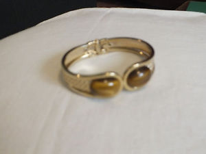 【送料無料】ブレスレット アクセサリ― クランプブレスレットゴールドカボションワイドニースcollectible clamp bracelet gold tonebrown cat eye cabochons 34 wide 2 14 nice