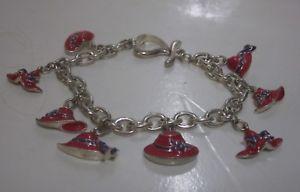 【送料無料】ブレスレット アクセサリ― ヴィンテージレッドハットブレスレットパープルトリムチェーンリンクコスチュームジュエリーvintage red hat lady charm bracelet, purple trim, chain link, costume jewelry