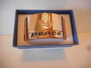【送料無料】ブレスレット アクセサリ― カフブレスレットinspired life set of 2 goldtone peace cuff bracelets hamsa hand