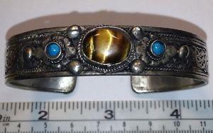 【送料無料】ブレスレット アクセサリ― シルバーブレスレットドラゴンsilver color metal bracelet filigree, tigers eye stone amp; etched dragon inside