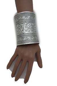 【送料無料】ブレスレット アクセサリ― ロングシルバーカフスブレスレットジュエリーwomen long silver metal cuff bracelet fashion jewelry wonder filigree flowers