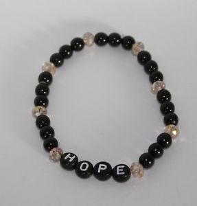 【送料無料】ブレスレット アクセサリ― ブレスレットリクエストブレスレット*ベージュ*ニューbracelet beaded bracelet with request name personalised * beige * handmade