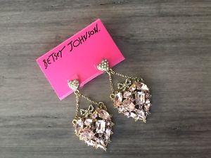 【送料無料】ブレスレット アクセサリ― ジョンソンピンクハートイヤリングbetsey johnson pink heart dangle earrings