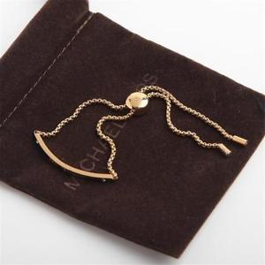 【送料無料】ブレスレット アクセサリ― ミハエルロゴプラークゴールドトーンクリスタルスライダーブレスレットmichael kors logo plaque gold tone crystal set slider bracelet