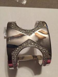 【送料無料】ブレスレット アクセサリ― ドルビンスシルバートーンカットアウトカフブレスレット128 vince camuto silvertone pave cutout cuff bracelet vc75