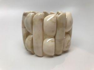 【送料無料】ブレスレット アクセサリ― ゴージャスベージュストレッチブレスレットgorgeous beige resin stretch bracelet