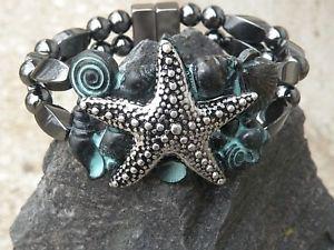 【送料無料】ブレスレット アクセサリ― ブレスレットヒトデシーシェルmens womens magnetic bracelet 2 row w silvertone starfish w patina sea shells