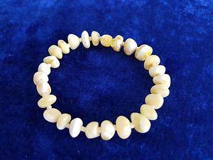 【送料無料】ブレスレット アクセサリ― ナチュラルバルトイエローホワイトブレスレット100 natural baltic amber yellowwhite matted bracelet handcrafted