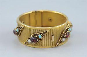 【送料無料】ブレスレット アクセサリ― ゴールドトーンヒンジカフブレスレットカラーガラスgoldtone hinged cuff bracelet with color glass stones