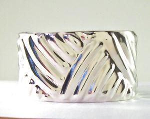 【送料無料】ブレスレット アクセサリ― スターリングシルバーカフブレスレットデザイン925 sterling silver cuff bracelet raised design 66g