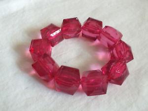 【送料無料】ブレスレット アクセサリ― ストレッチブレスレットピンクプラスチックビーズワイドbeautiful stretch bracelet chunky pink plastic beads 58 wide cute