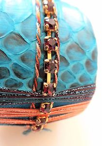 【送料無料】イタリアン ブレスレット マンシェットターコイズスワロフスキークリスタルエチケットsatellite manchette python turquoise cristal swarovski neuveetiquette 225