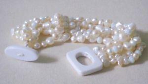 【送料無料】イタリアン ブレスレット カフワイヤホワイトクリスタルbracciale donna 5 fili perle e cristallo bianco con chiusura in agata bianca