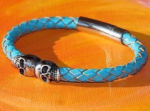 【送料無料】メンズブレスレット ツインスカルターコイズレザーライムベイアートステンレススティールブレスレットtwin skull turquoise braided leather amp; stainless steel bracelet by lyme bay art