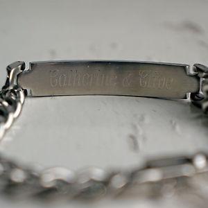 送料無料 メンズブレスレット パーソナライズステンレススチールブレスレットボックスpersonalised stainless steel id curb bracelet engraved free amp; gift box 19cm 21cmwP8N0XnOk