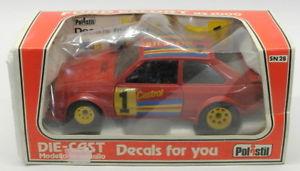 【送料無料】模型車 スポーツカー polistil 123ダイカストモデルカーsn28フォードエスコートrs 2000polistil 123 scale diecast model car sn28 ford escort rs 2000 red