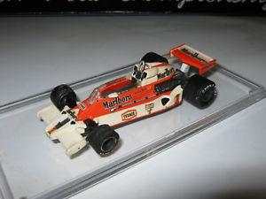 【送料無料】模型車 スポーツカー 143マクラレンフォードm26 jハントショーケース1977edai143 mclaren ford m26 j hunt 1977 edai grip car in showcase