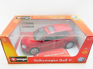 【送料無料】模型車 スポーツカー フォルクスワーゲンゴルフモデルカーボックスlot 12758 burago volkswagen golf v diecast model car 118 in original box