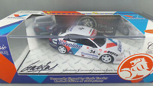 【送料無料】模型車 スポーツカー tander valvolineホールデンvt2000signature series143garth tander valvoline holden vt commodore 2000 signature series 143 scale