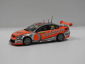【送料無料】模型車 スポーツカー ホールデンコモドールチームボーダフォン#クラス143 holden ve commodore team vodafone atcc winner jwhincup 2011 88 classi