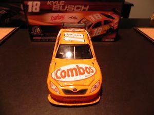 【送料無料】模型車 スポーツカー nascar 200818 kyle busch combos platinum seriesdiecast cotnascar 2008 18 kyle busch combos platinum series diecast cot