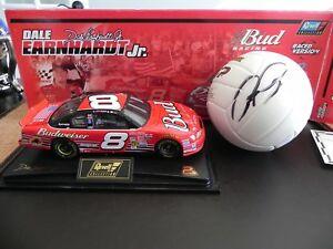 【送料無料】模型車 スポーツカー デイルアーンハートジュニアドーバーレースサインウィルソンボールnascar dale earnhardt jr 2001 dover raced win w autographed wilson ball