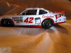 【送料無料】模型車 スポーツカー カイルラーソンサイン#カマロターゲットカリフォルニア2014 kyle larson non autographed 42 cartwheel camaro target california win 124
