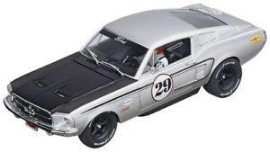 【送料無料】模型車 スポーツカー フォードムスタンググアテマラ#スロットカーモデルカレラford mustang gt 29 slot car 132 model carrera