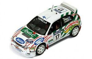 【送料無料】模型車 スポーツカー トヨタカローララリーフィンランド143 toyota corolla wrc  rally 1000 lakes finland 2000 hrovanpera