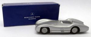 【送料無料】模型車 スポーツカー メルクリン143ダイカスト6080016400w196メルセデスw196レーシングカーmarklin 143 scale diecast repro 6080016400 w196 mercedes w196 race car