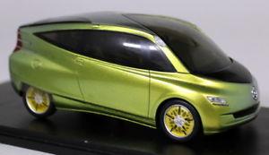 【送料無料】模型車 スポーツカー スパーク143 s1019メルセデスベンツバイオニクスモデルカーspark 143 scale s1019 mercedes benz bionic car concept resin model car